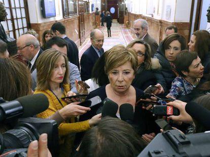 Celia Villalobos, hoy en el Congreso. / En vídeo, Declaraciones de Celia Villalobos.