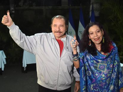Ortega y Murillo, durante las elecciones de este domingo en Nicaragua.