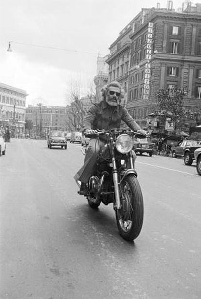 Georges Moustaki, en 1963.