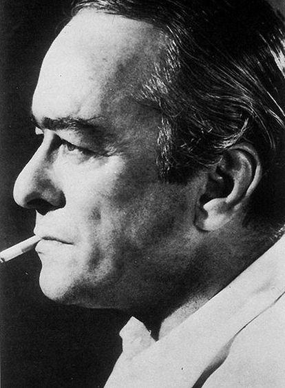 Retrato del poeta y músico brasileño Vinicius de Morães.