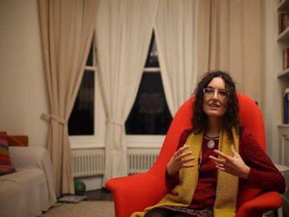 Varios docentes españoles del centro británico critican la abundancia de temario por curso y la falta de profundización en los contenidos