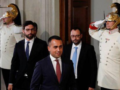 Luigi Di Maio, tras su encuentro con el presidente de la República en el palacio del Quirinal. Nicola Zingaretti anuncia su apoyo a un Gobierno con el M5S en Italia.