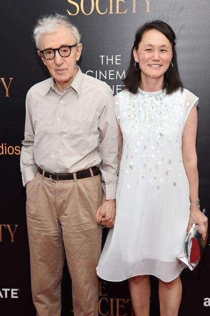 Woody Allen y Soon-Yi en el estreno de 'Cafe Society' en julio de 2016.