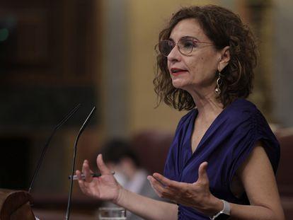 La ministra de Hacienda y Función Pública, María Jesús Montero, en el Congreso de los Diputados.