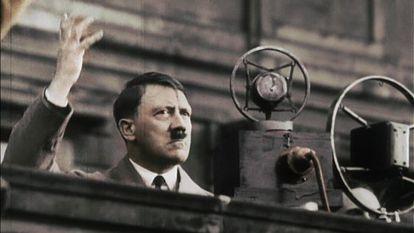 Hitler cultivaba su carisma y cuidaba su imagen al detalle. En la foto, durante un mitin a finales de los años treinta.