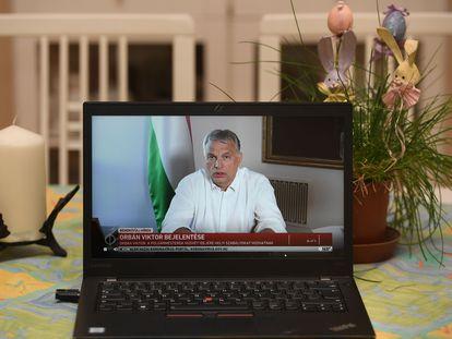 El primer ministro de Hungría, Viktor Orban, en unas declaraciones emitidas por Internet, la semana pasada.
