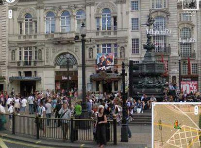 Una imagen de Piccadilly Circus en Street View muestra algunas caras difuminadas