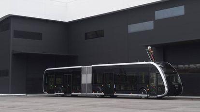Prototipo del autobús articulado 100% eléctrico que Irizar construirá para la ciudad de Amiens (Francia).