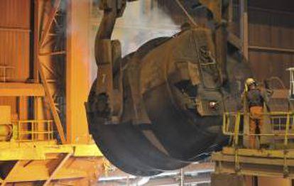 Las propias siderúrgicas latinoamericanas están operando a sólo el 75 % de su capacidad y no tienen dónde colocar sus excedentes. EFE/Archivo
