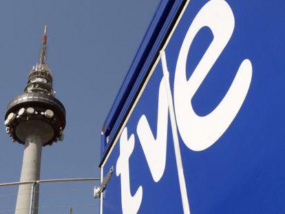 """Vista de la torre el """"Pirulí"""", centro de comunicaciones de RTVE."""