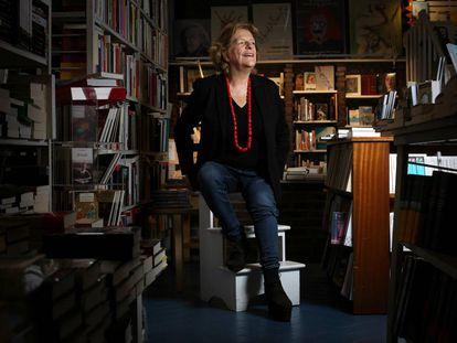 La escritora Maria Tena, en la libreria Rafael Alberti de Madrid.