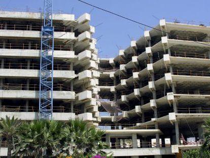 Viviendas en construcción en Estepona (Málaga).