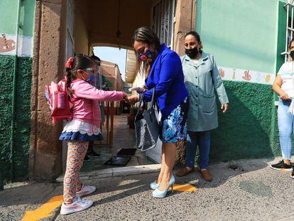 Niños durante el regreso a clases del preescolar en el Estado de Guanajuato.