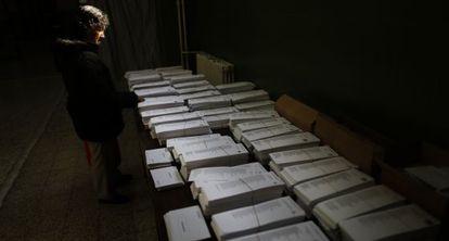 Jornada electoral en el instituto Beatriz Galindo de Madrid en las elecciones europeas de 2014-