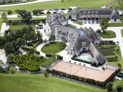 Vista aérea de la mansión de Kim Dotcom en Coatesville, al noroeste de Auckland, Nueva Zelanda.