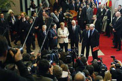 Los líderes europeos posan para las cámaras tras reunirse el pasado jueves en Bruselas.