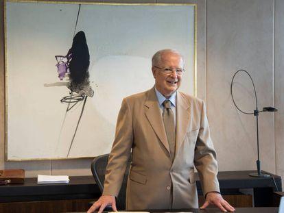 El embajador Amaral en su despacho