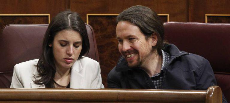 La ministra de Igual, Irene Montero, y el vicepresidente segundo, Pablo Iglesias, en el Congreso.