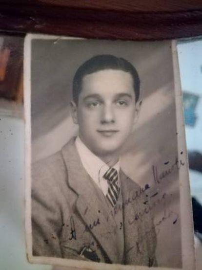 Víctor, en una foto antigua.