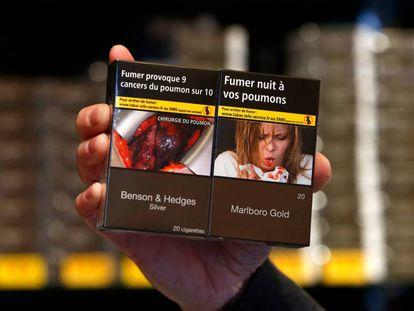 Una cajetilla en Francia con la alerta sobre los riesgos para la salud.
