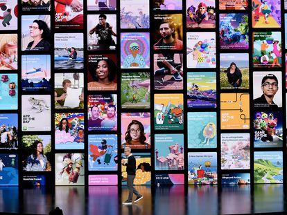 EL CEO de Apple, Tim Cook, en 2019 en la sede de la compañía de Cupertino, California, durante un lanzamiento de productos.