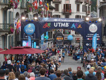 Llegada a meta en la UTMB Mont-Blanc
