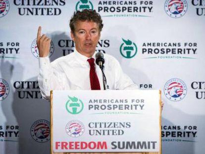 El senador Rand Paul, posible candidato en 2016, rodeado de los patrocinios de grupos conservadores.
