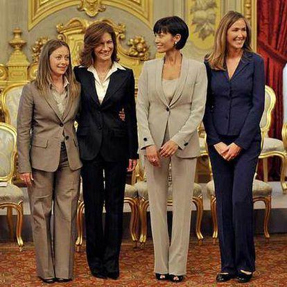 De izquierda a derecha, Meloni,  Gelmini,  Carfagna y Prestigiacomo.