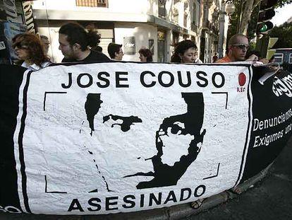 Protesta por el asesinato de Couso ante la Embajada de EE UU en Madrid el pasado 7 de julio.