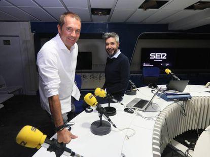 Manu Carreño y Dani Garrido, en los estudios de la Cadena SER.