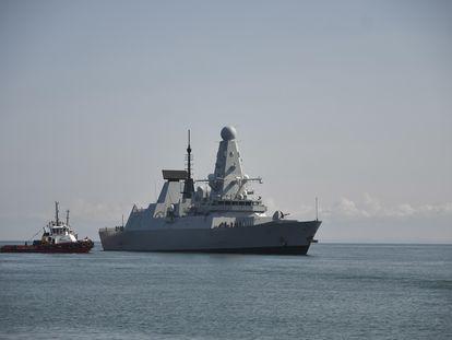 El 'HMS Defender' llega al puerto de Batumi (Georgia) el 26 de junio.