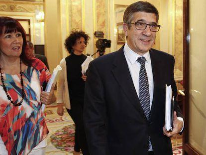 López y Navarro, a su llegada este miércoles al Congreso.