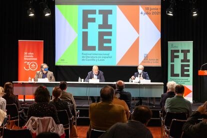 Desde la izquierda, Jesús Ruiz Mantilla, Francisco Igea y Javier Ortega durante la presentación del evento en eI Instituto Cervantes de Madrid.