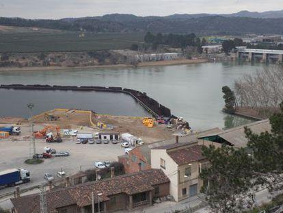 Pantano de Flix, que alberga los residuos tóxicos.