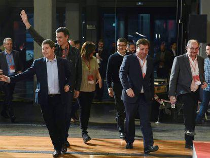 Sánchez junto a Patxi López, Guillermo Fernández Vara, Javier Lambán y Emiliano García-Page en marzo de 2018.