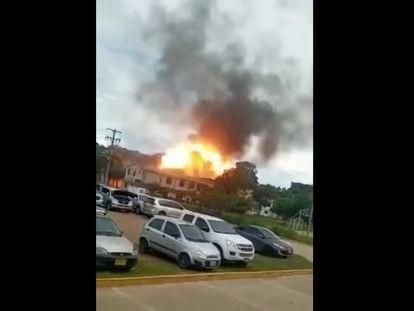 Captura de pantalla del estallido en el cantón militar San Jorge, en Cúcuta, Colombia.
