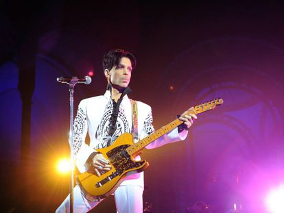 Prince en un concierto el 11 de octubre de 2009 en París.