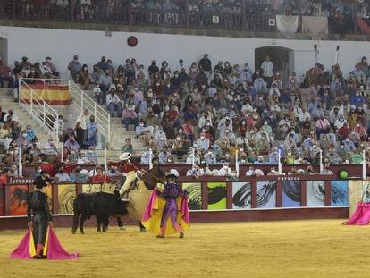Tercio de varas en la corrida picassiana, celebrada en Málaga en agosto de este año.