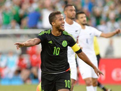 Giovani Dos Santos festeja su gol contra Nueva Zelanda