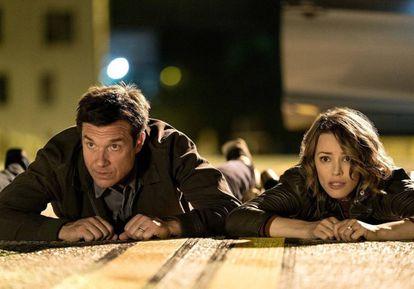 Jason Bateman y Rachel McAdams, en 'Noche de juegos'.