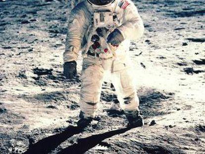 Edwin F. Aldrin, durante su paseo por la superficie de la Luna, en 1969.