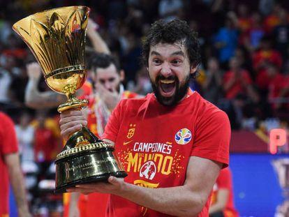 Sergio Llull celebra la victoria en el Mundial de baloncesto 2019.
