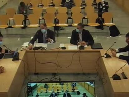Varios de los agentes de la UDEF durante su declaración este miércoles en el juicio sobre la caja b del PP.