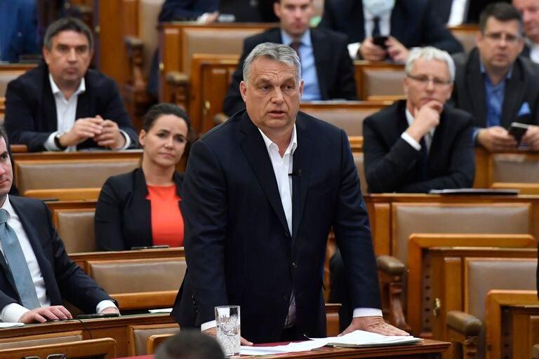 El primer ministro húngaro Viktor Orbán, en el Parlamento, este lunes.