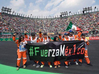 Los voluntarios durante el Gran Premio de México.