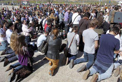 El viernes se celebró una misa de desagravio en una capilla de la Complutense (Madrid) tras los incidentes de la semana anterior. El aforo fue insuficiente.