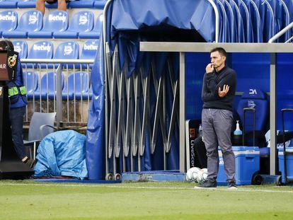 Asier Garitano, durante el partido entre el Alavés y el Granada esta semana en Mendizarroza.