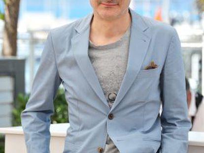 Olivier Assayas, presentando en Cannes 'Viaje a Sils Maria'.