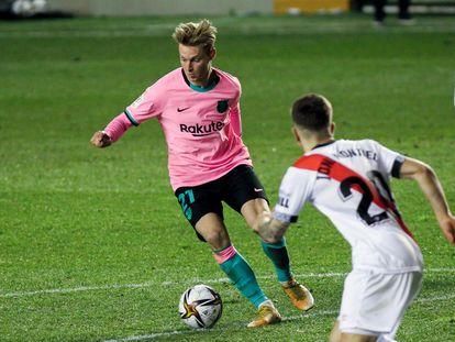 De Jong, durante el partido de Copa entre el Rayo y el Barça.