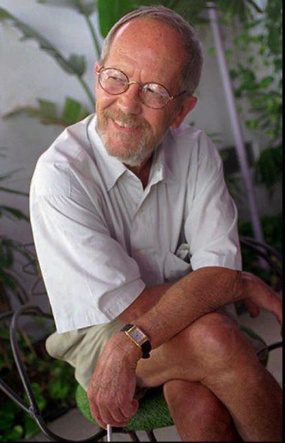 El escritor Elmore Leonard, en una imagen de 1996.